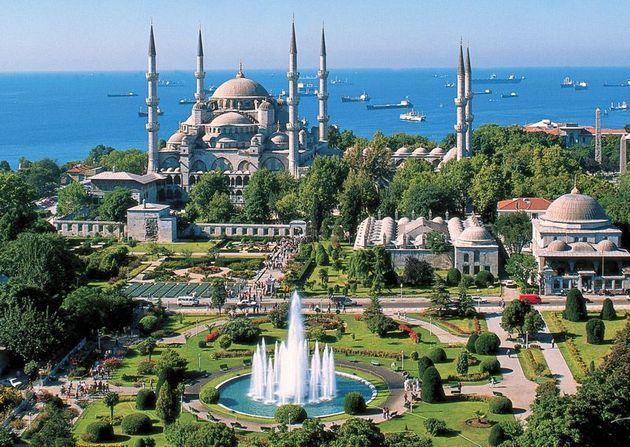 Oleh-Oleh Khas Turki yang Bisa Kamu Bawa Pulang