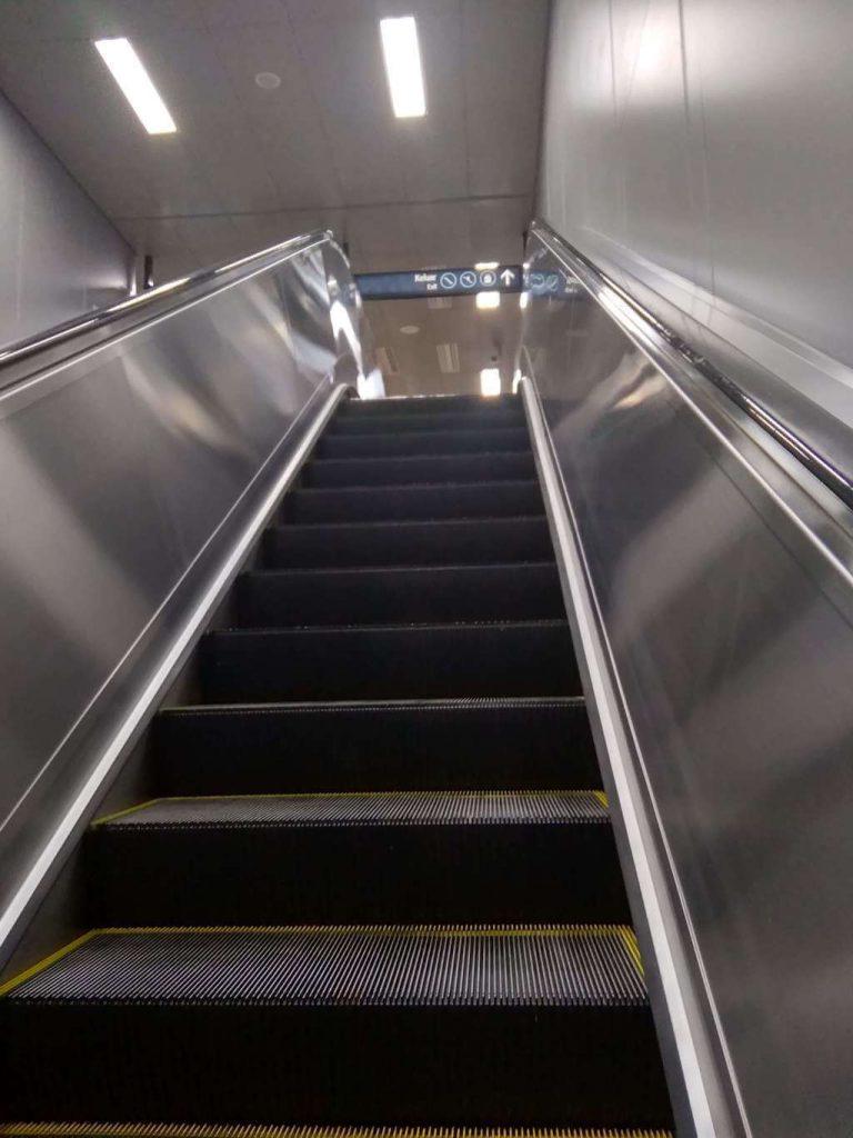 Nyobain Naik MRT : Keren!