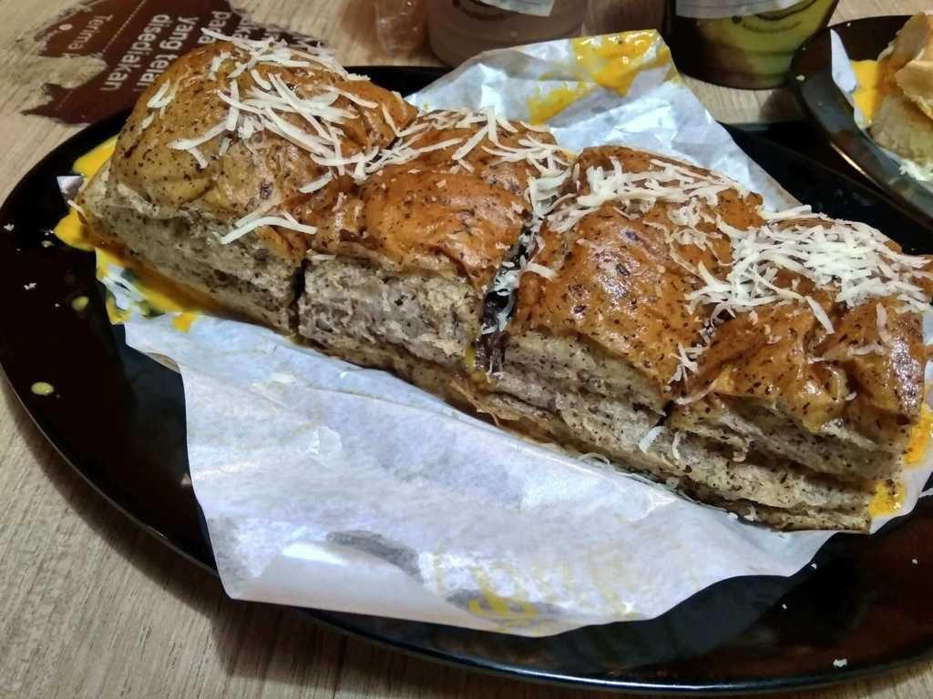 Oops.. Roti John Tebet, Fix Bikin Nagih!