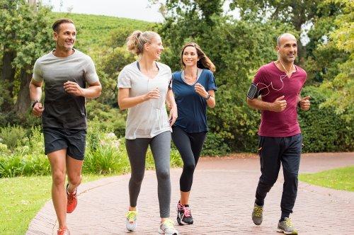 Tak Hanya Membuat Suasana Lebih Asyik, Ini Manfaat Lain Olahraga Bareng Teman