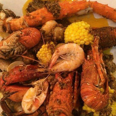 Enaknya Makan Lobster Yang Murah Meriah Di 5 Tempat Ini
