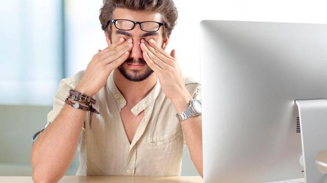 Mata Tetap Sehat Meskipun Sering Menggunakan Komputer dengan Cara Ini